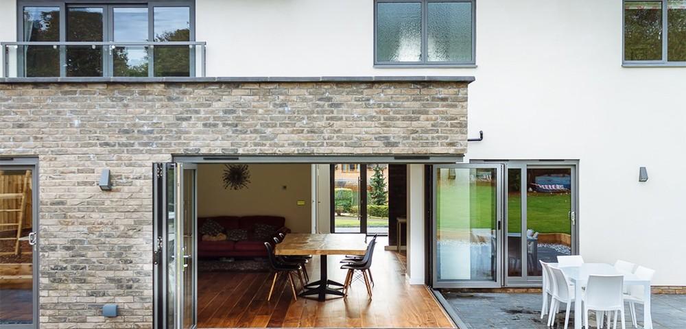 corner bi-folding door