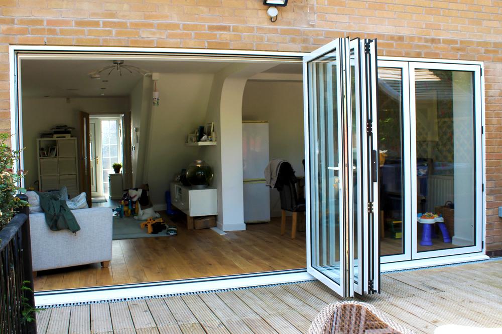 White bi-folding door in Queniborough Leicester